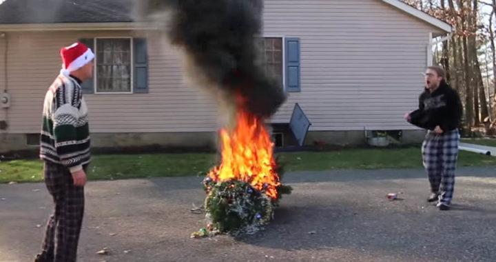 zažig božičnega drevesca