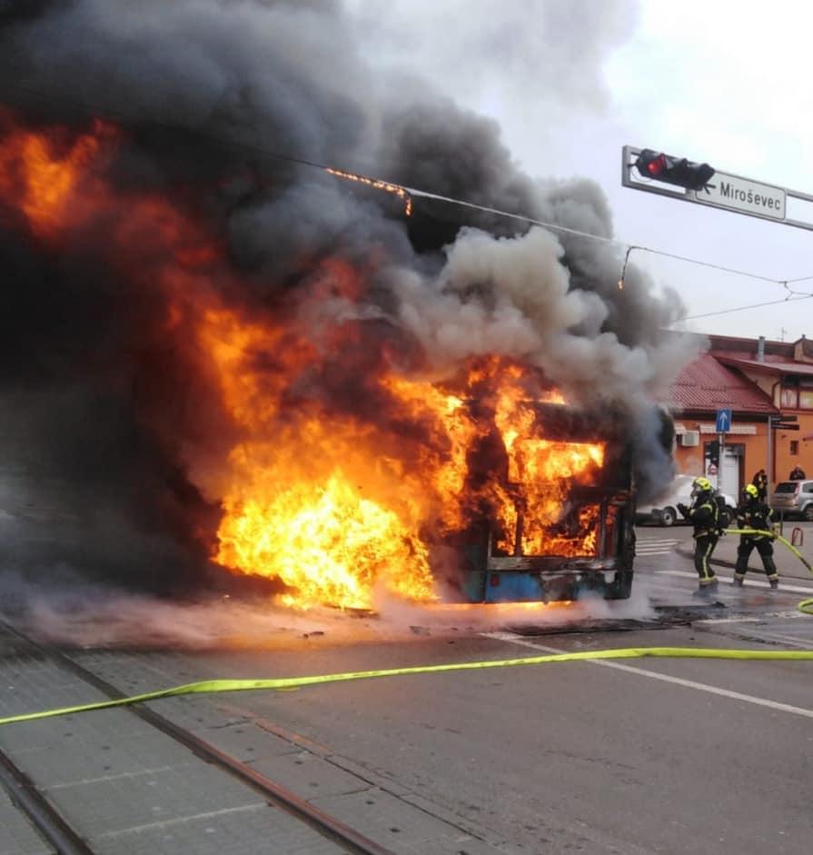požar avtobus