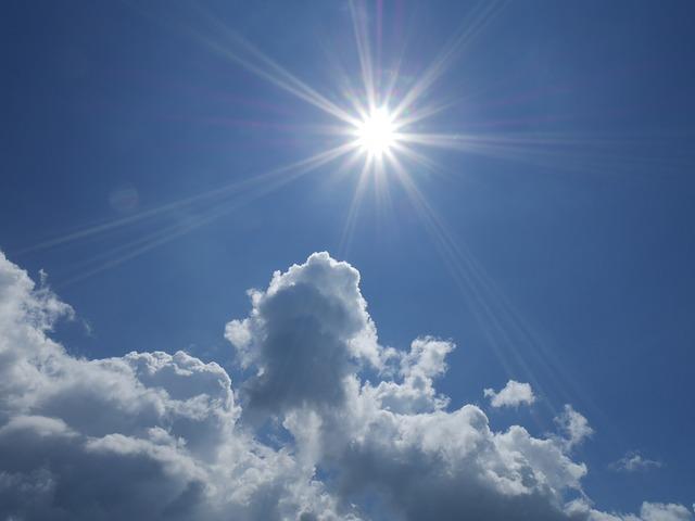 sonce in oblaki